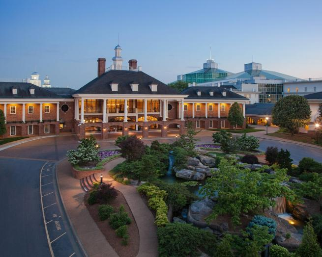 a train is parked on the side of Gaylord Opryland Resort & Convention Center