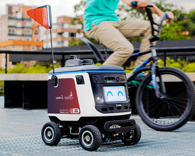 Gonzaga delivery robot on wheels